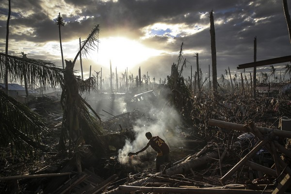 Filipinler, 19 Kasım 2013.. Fırtına sonrası sessizlik