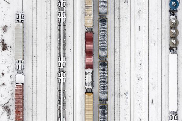 Karla kaplı tren rayları, Polonya