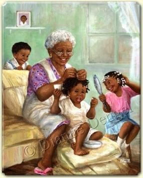 yaşlı nine torunlarının saçını süslüyor