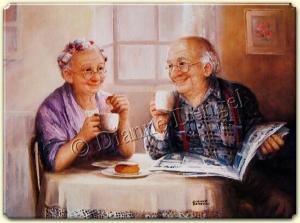 yıllar geçmiş olsa da birlikte kahvaltı yapan yaşlı mutlu çift