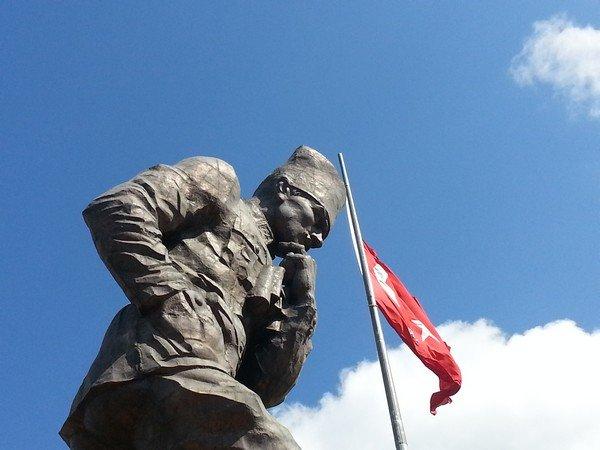 Türkiye' nin en yüksek Atatürk heykeli