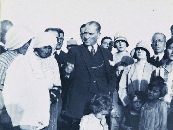 softalar, Atatürk, kadınlar