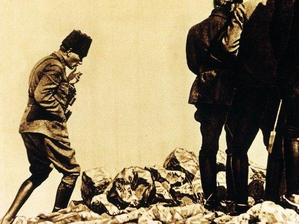 Atatürk ve Özgürlük Savaşı