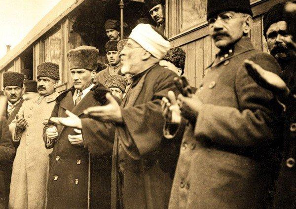 Atatürk ve Müslümalık
