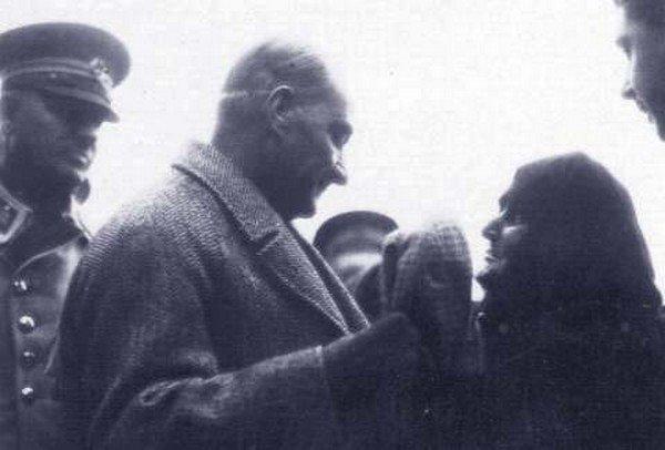 Atatürk ve Hacer Nine