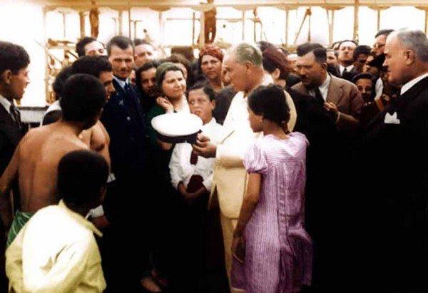 Atatürk ve Halk