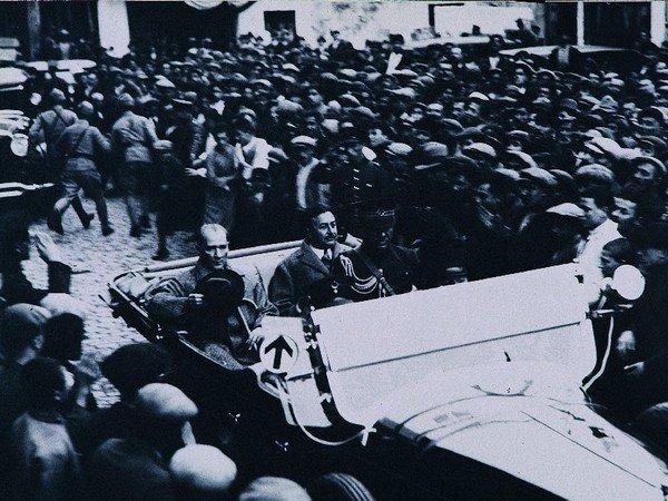 Atatürk İzmir yolunda