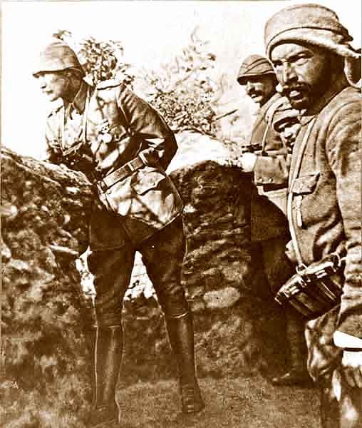 Atatürk Çanakkale Cephesinde