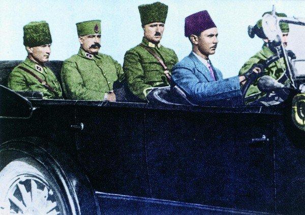 Atatürk Sivas yolunda