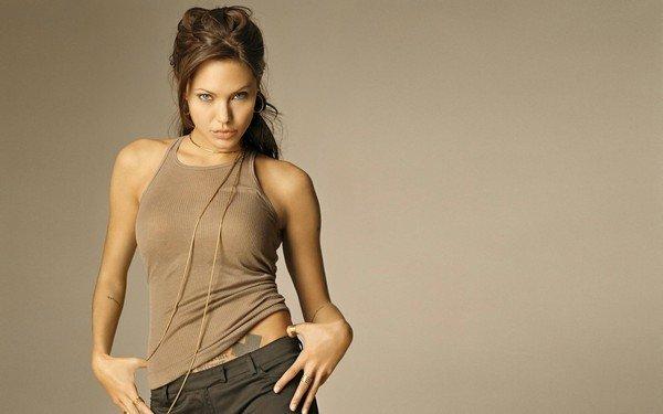 Angelina Jolie, sexy looks