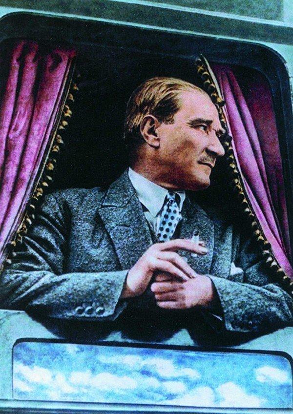 Atatürk, insanlık ülküsü, barış özlemi